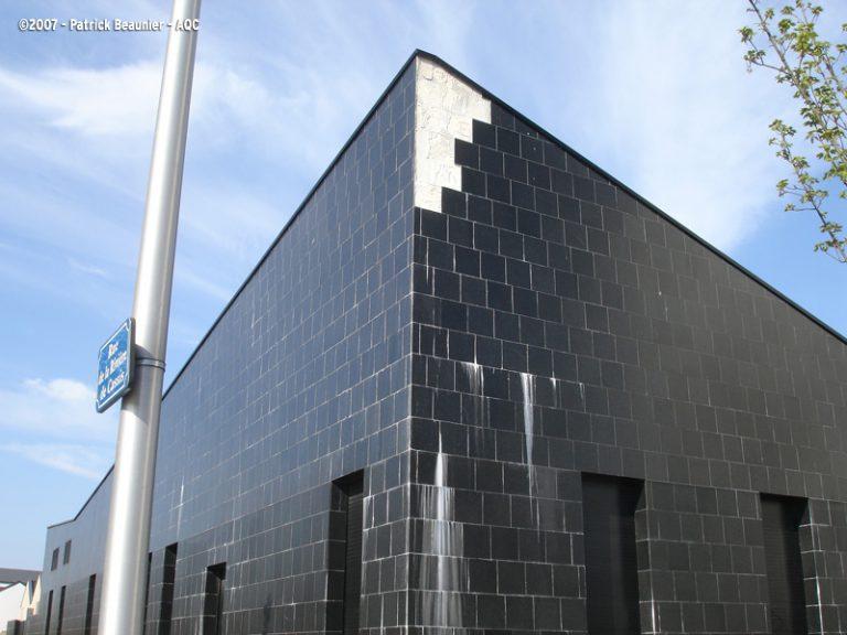 Défauts de mise en oeuvre de carrelage en façade