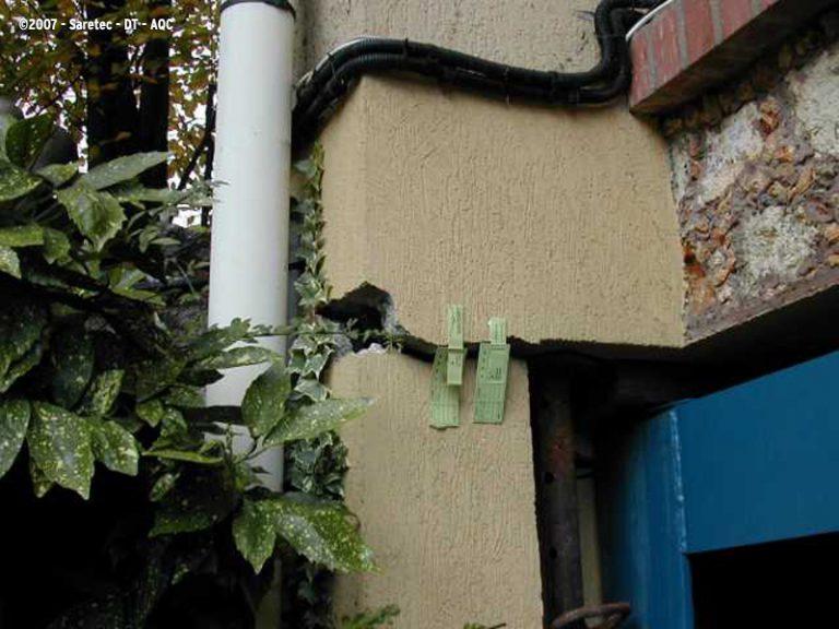 Fissuration de façade due à la sécheresse