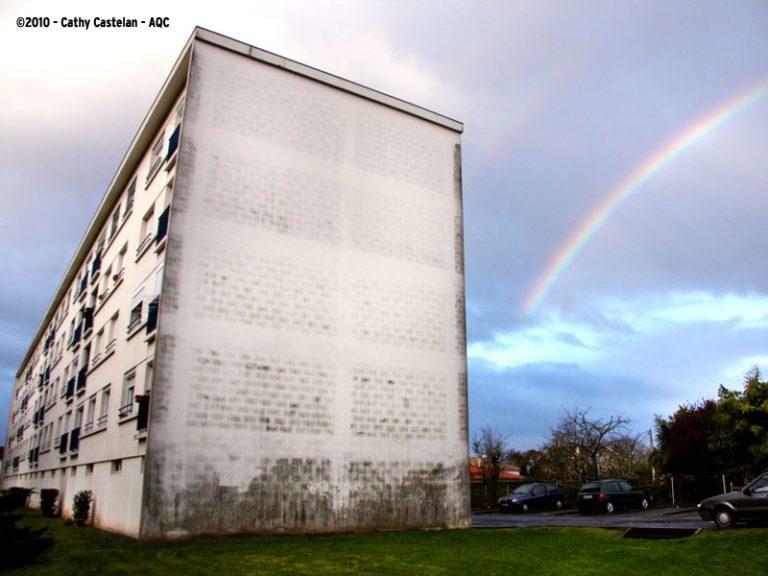 Dégradation d'une façade d'immeuble