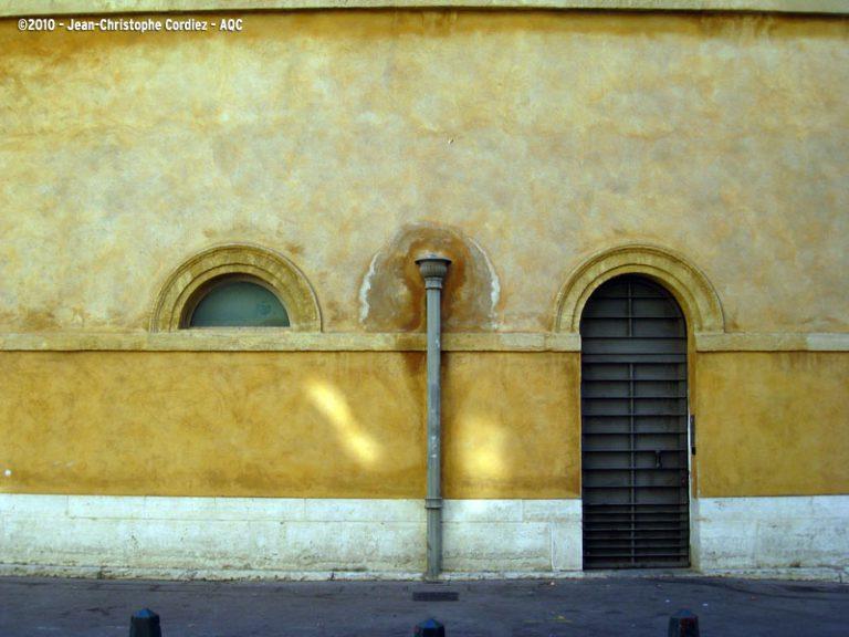 Diffusion capillaire en mur de façade