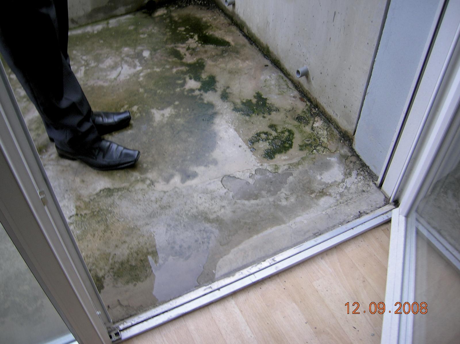 Espace Entre Porte Et Carrelage infiltrations d'eau par seuil des porte-fenêtres