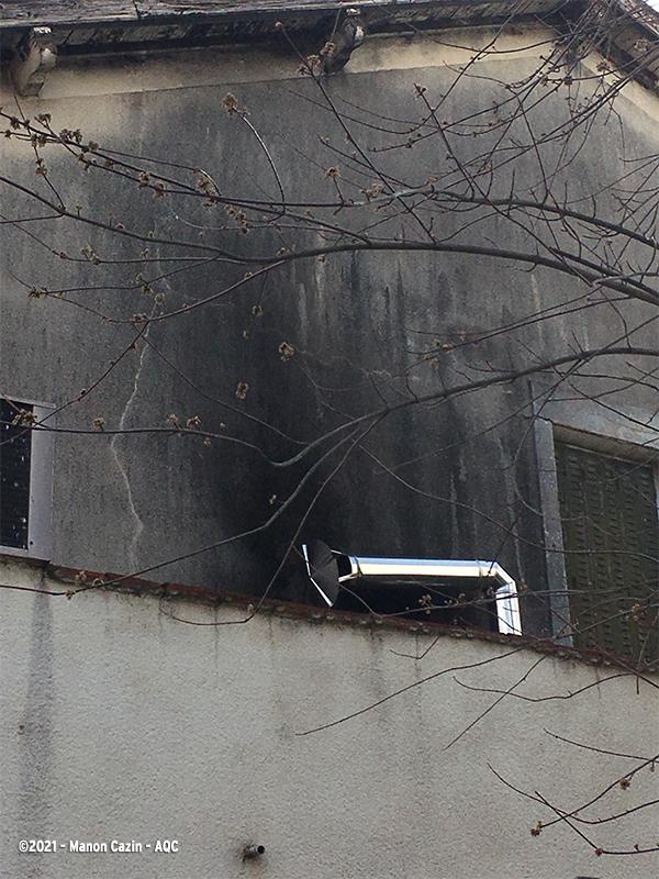 Mauvaise implantation d'un conduit de cheminée