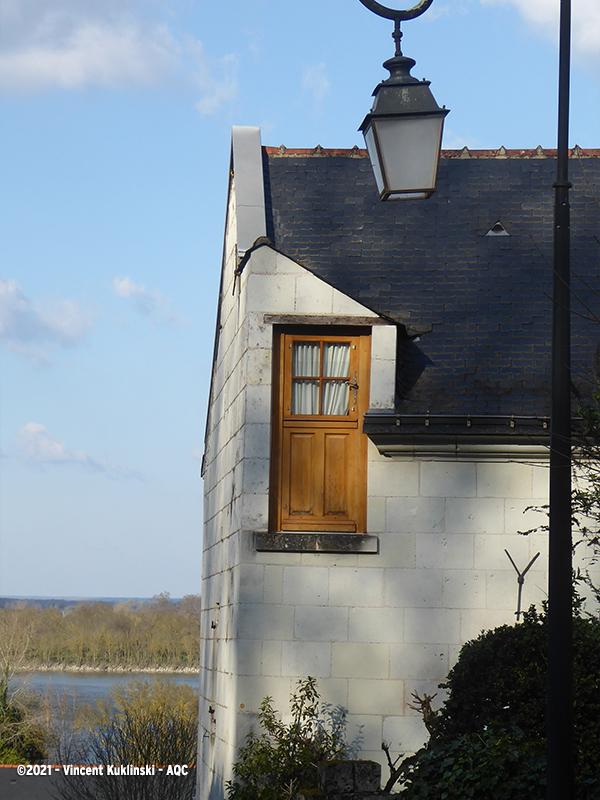 Une porte à la place d'une fenêtre !